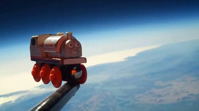juguete al espacio