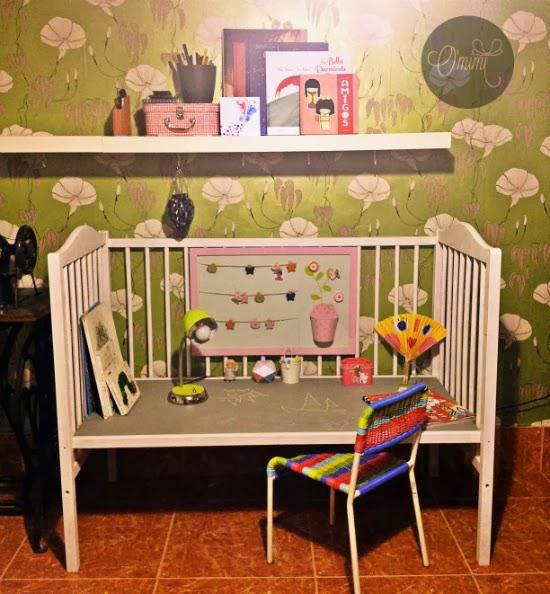 DIY manualidades omimi convertir cuna niño mesa trabajo pintura pizarra (5)